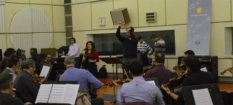 Μπέττυ Χαρλαύτη, Γιάννης Μπελώνης, Ορχήστρα Σύγχρονης Μουσικής της ΕΡΤ μαζί σε έναν θεοδωρακικό δίσκο- ορόσημο!