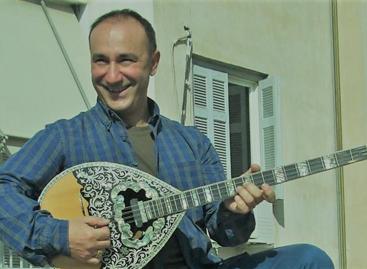 Γιώργος Αλτής: «Έχω γνωρίσει  το λαϊκό τραγούδι, μέσα από τις ζωές των παλιών λαϊκών»