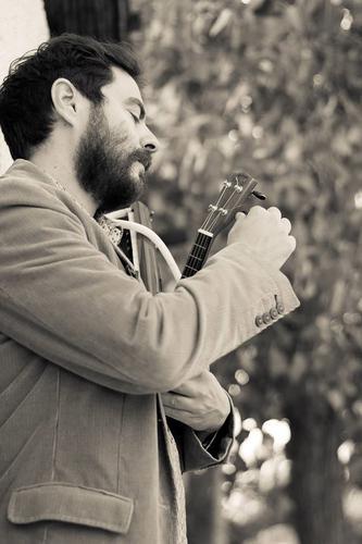 Λεωνίδας Μαριδάκης: «Το τραγούδι με πιο ανάλαφρη διάθεση δεν σημαίνει πως πρέπει να μην έχει περιεχόμενο»